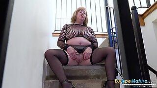 EuropeMaturE Busty British Mature Masturbation x