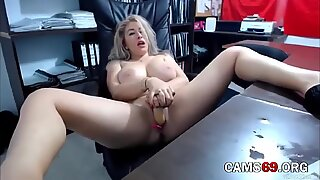 Mature Lisa with Big Natural Tits Masturbates for You