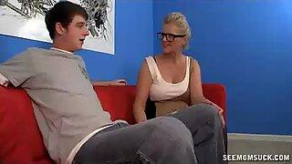 Old Lady Offers Teen Cock An Unforgettable Blowjo