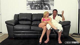 Aaliyah Loves Having Some Hot Sex On Webcam!
