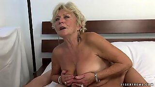 Malya wants to reach multiple orgasms with her friend's help