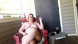 milf talks about how she embarked smoking