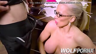 Horny secretary gives a good blowjob to her boss before going home.