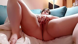 BBW gets loud while getting off.