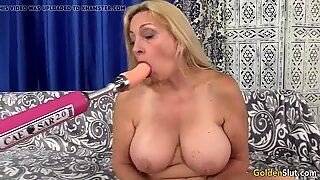 Mature Cala covets Has hook-up with a Machine
