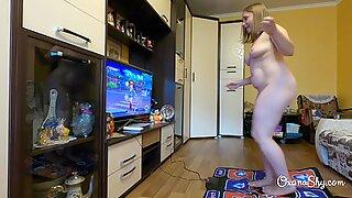 Curvy MILF on a dancing pad - teaser