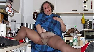 ILoveGrannY Homemade Pictures in Mature Sex Video