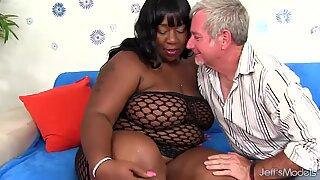 ebony plus-size Daphne Daniels satisfies a Guy with Her Fat Body