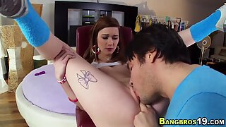 Facialized teen rides rod